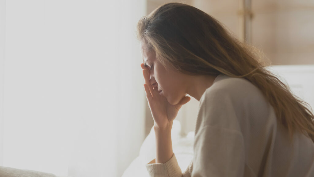 絶望した女性